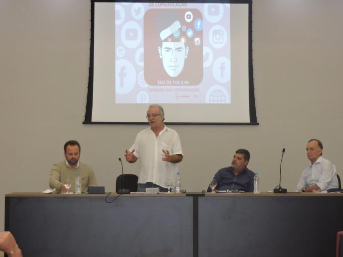"""""""O Movimento Sindical precisa entender que comunicação não é gasto, é investimento"""", afirma Altamiro Borges"""