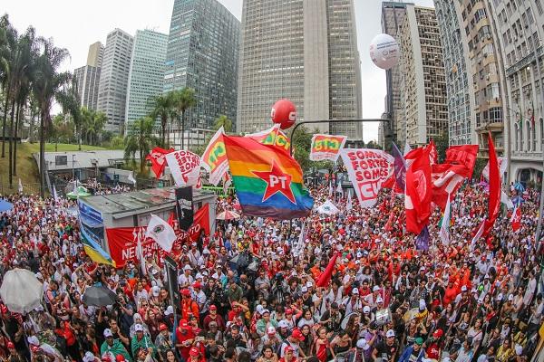 Nas ruas pela soberania do povo brasileiro