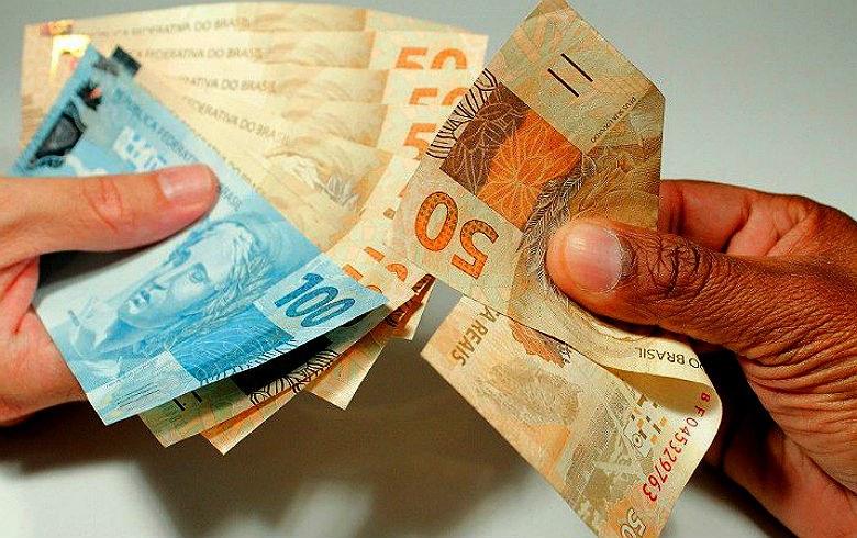 Salário mínimo do brasileiro deveria ser de R$ 3.668,55, aponta Dieese