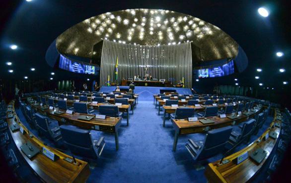 Reforma trabalhista: discussão no Senado evidencia retrocessos